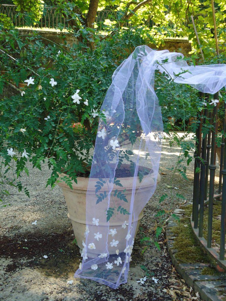 VoileJasmin avec des fleurs de jasmin en soie Anita Matell * Florès